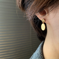 FACADE SINGLE EARRING
